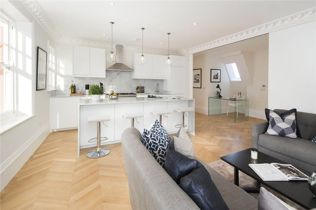 3 Bedrooms Apartment Flat for sale in Great Portland Street, London