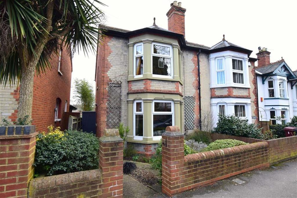 3 Bedrooms Semi Detached House for sale in Priory Avenue, Caversham, Reading