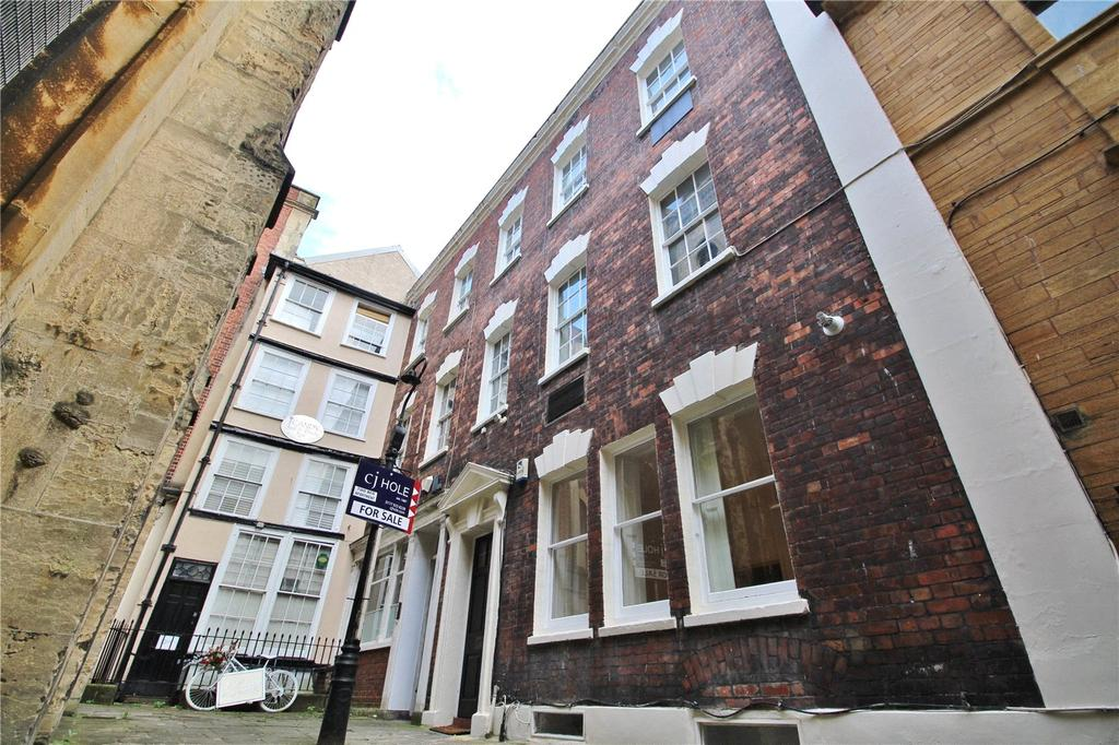 2 Bedrooms Apartment Flat for sale in All Saints Court, Bristol, Somerset, BS1