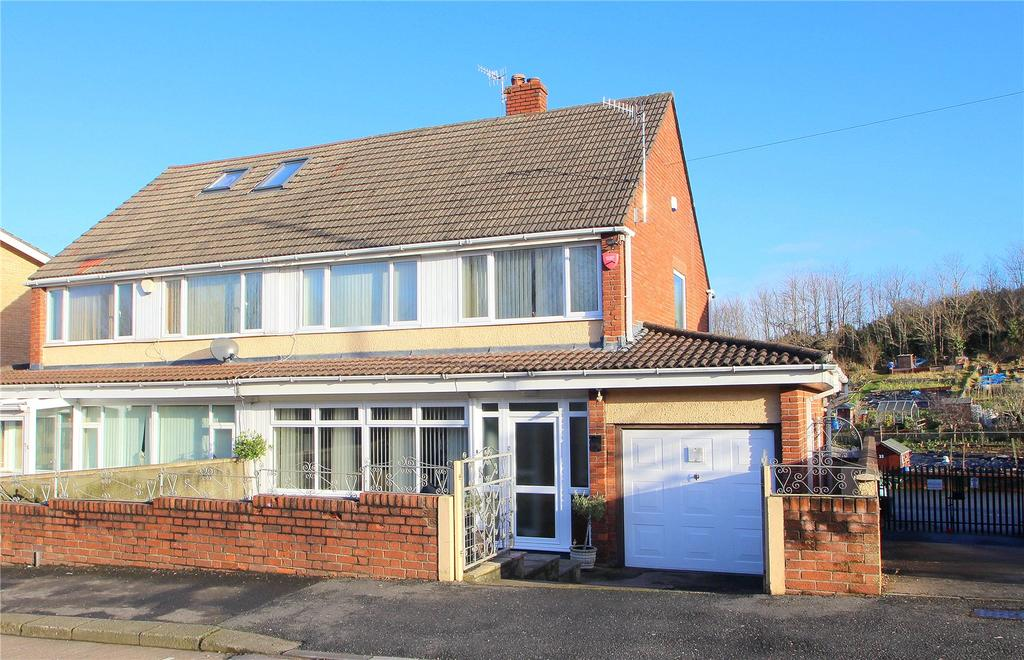 3 Bedrooms Semi Detached House for sale in Wedmore Vale, Bristol, BS3