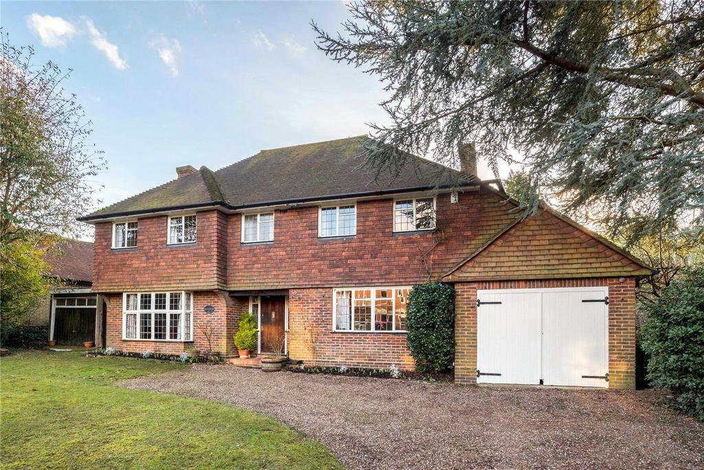 4 Bedrooms Detached House for sale in Albury Road, Guildford, Surrey, GU1