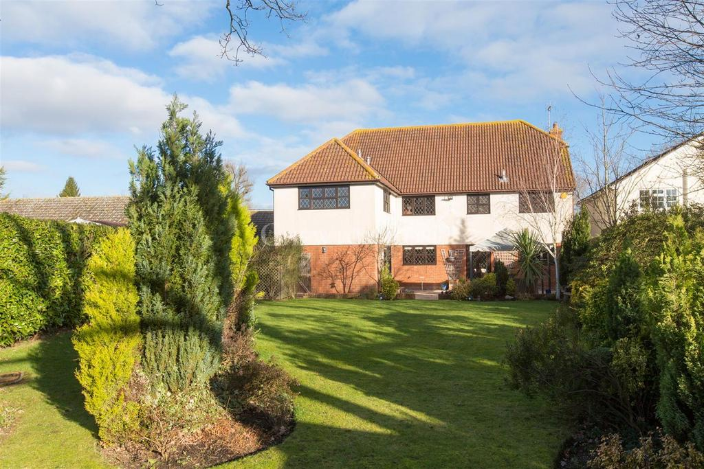 6 Bedrooms Detached House for sale in Tolleshunt Major near Little Totham