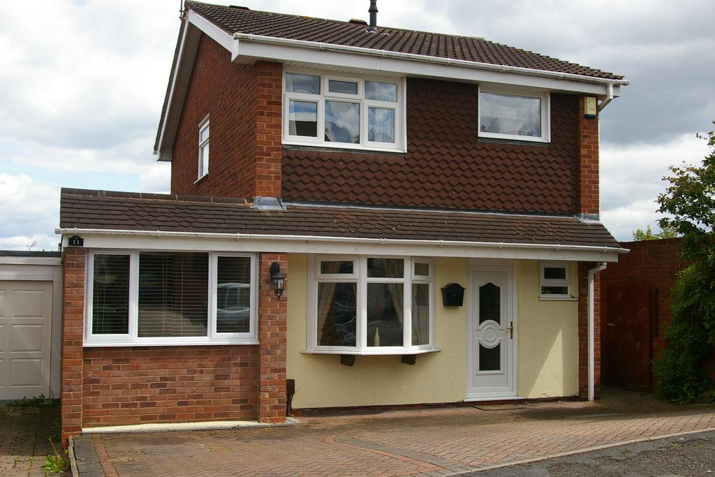 3 Bedrooms Detached House for sale in Welbeck Drive, Kidderminster DY11
