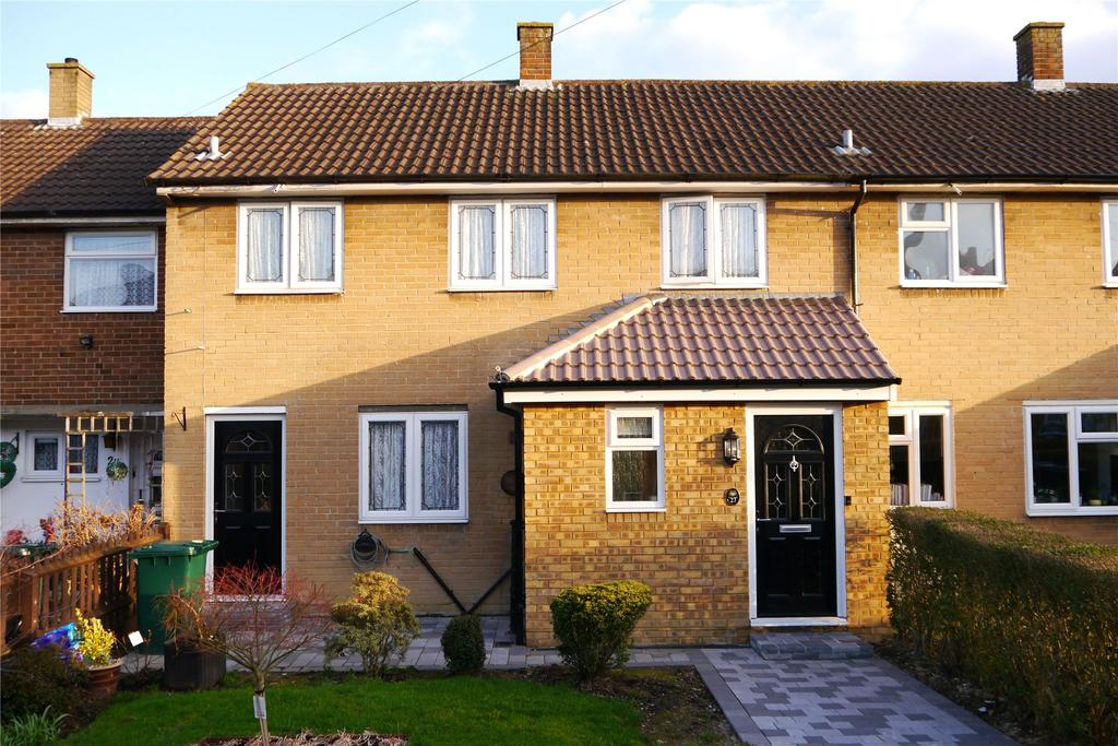 3 Bedrooms Terraced House for sale in Hill Close, Barnet, Herts, EN5