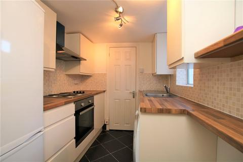 3 bedroom terraced house to rent - Stanley Street, Reading, Berkshire, RG1