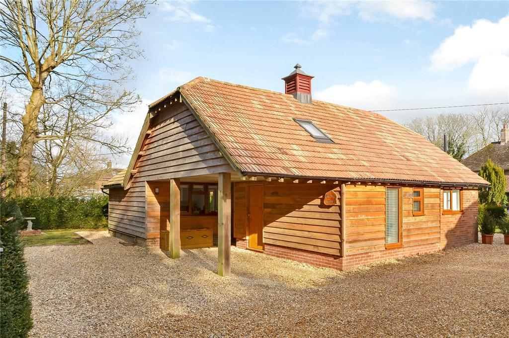 3 Bedrooms Detached House for sale in Hacks Lane, Crawley, Winchester, Hampshire, SO21