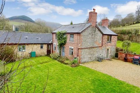 4 bedroom property with land for sale - Coed Y Gaer Fawr, Llandinam, Powys, SY17