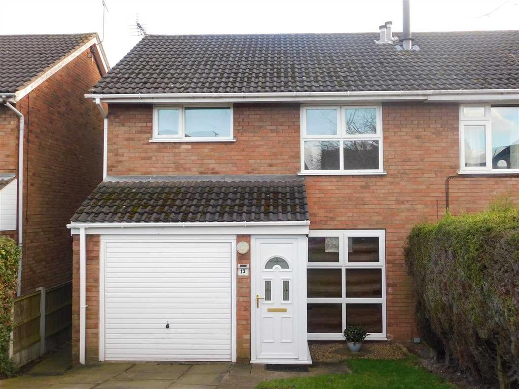 3 Bedrooms Semi Detached House for sale in LABRADOR DRIVE, BROUGHTON, BRIGG