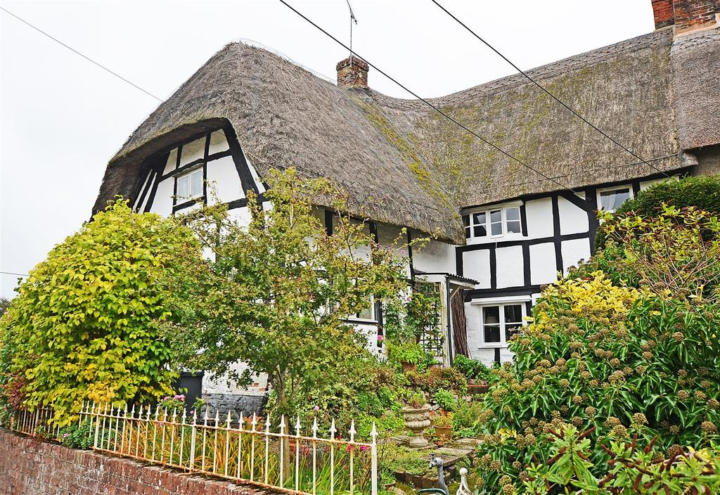 1 Bedroom Semi Detached House for rent in Ball Road, Pewsey