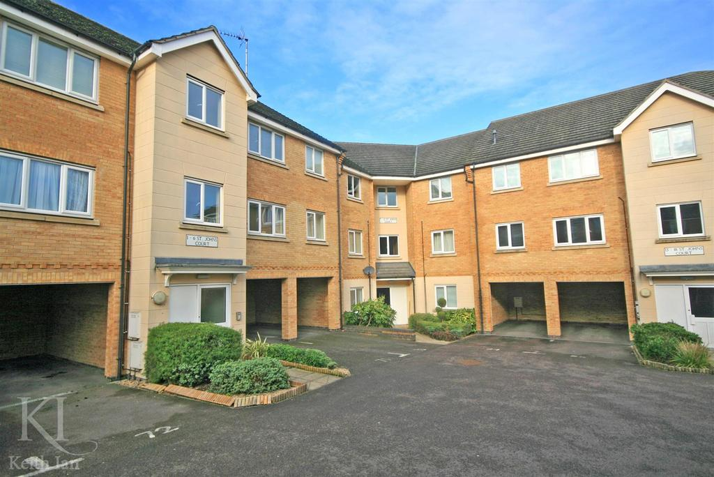 2 Bedrooms Flat for sale in St Johns Court, Ware - Ground floor with Garage