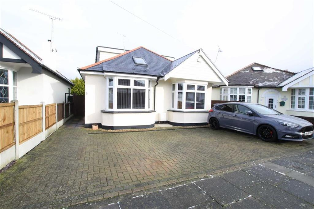 5 Bedrooms Detached Bungalow for sale in Tennyson Close, Leigh-on-sea, Essex