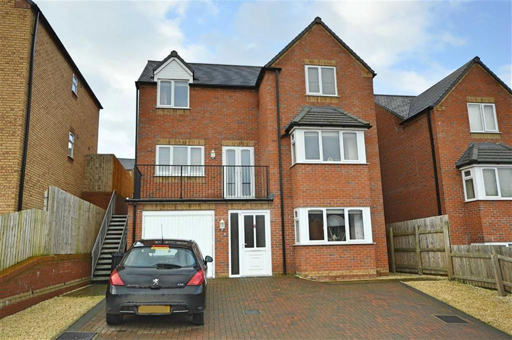 5 Bedrooms Detached House for sale in 5, Brynmor Park, Newtown, Powys, SY16