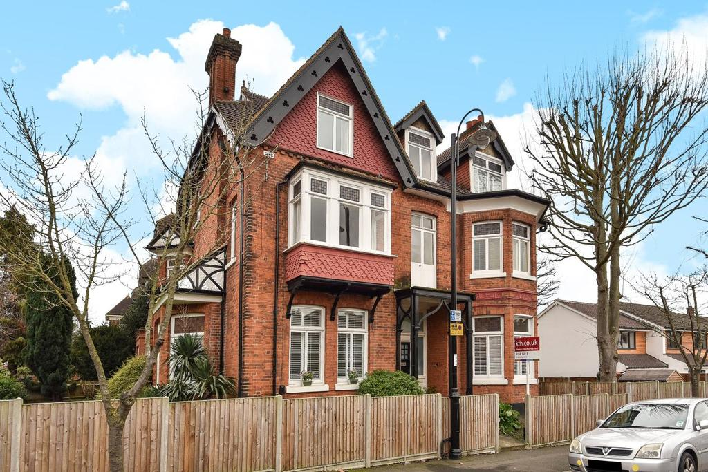 2 Bedrooms Flat for sale in Harold Road, Crystal Palace