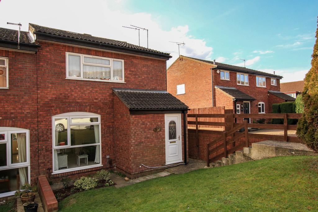 1 Bedroom Ground Maisonette Flat for sale in Mortain Drive, Berkhamsted HP4