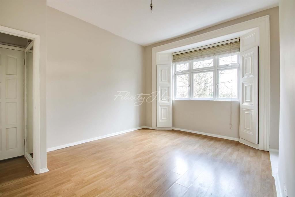1 Bedroom Flat for sale in Shooters Hill Road, Blackheath SE3