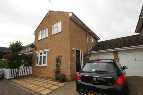 3 bedroom semi-detached house to rent - Barn Green, CHELMSFORD, Essex
