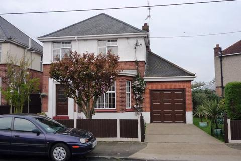 3 bedroom detached house to rent - Kingston Crescent, CHELMSFORD, Essex