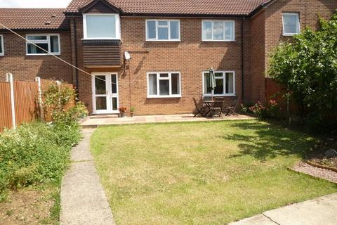 3 bedroom terraced house to rent - Trenchard Crescent, Springfield, CHELMSFORD, Essex