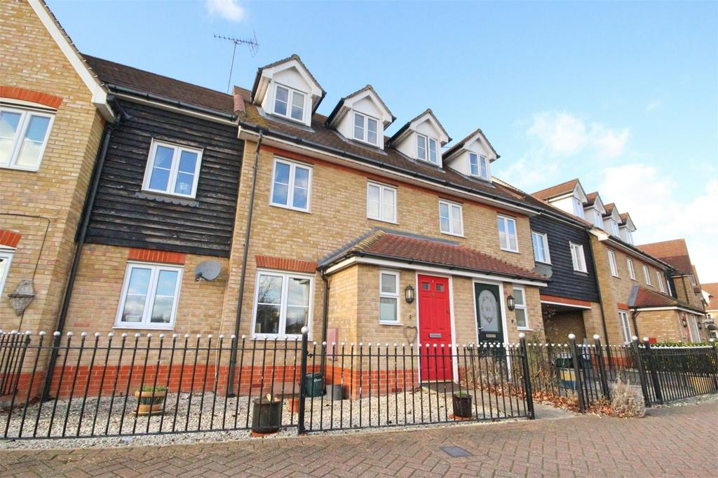 3 Bedrooms Town House for sale in Berwick Avenue, Broomfield, CHELMSFORD, Essex