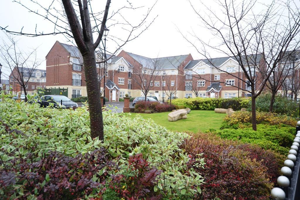 2 Bedrooms Apartment Flat for sale in Albert Court, City Centre, Sunderland