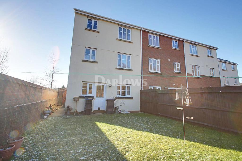 3 Bedrooms End Of Terrace House for sale in Lakeside Close, Nantyglo, Blaenau Gwent