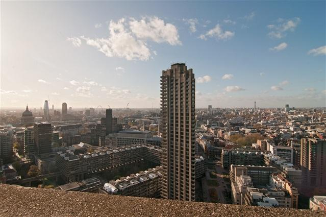 4 Bedrooms Flat for sale in Cromwell Tower, Barbican