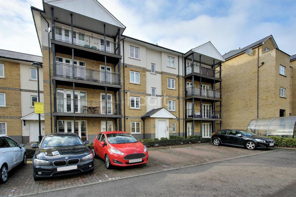 2 Bedrooms Flat for sale in Imperial Court, Colchester