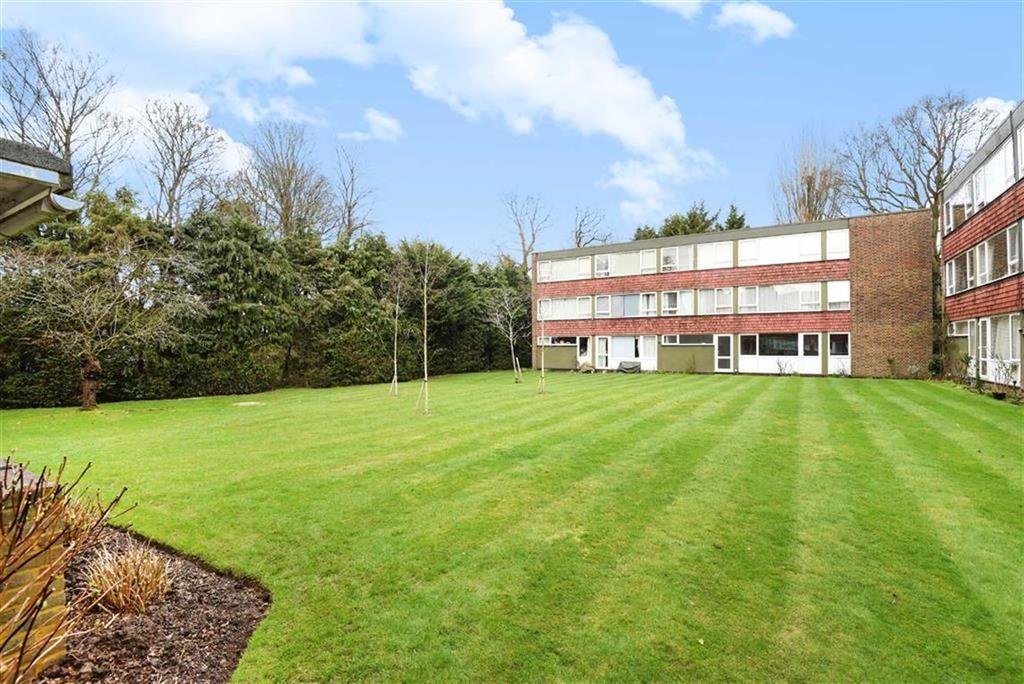 2 Bedrooms Flat for sale in Eaton Court, Boxgrove Avenue, Guildford, Surrey, GU1