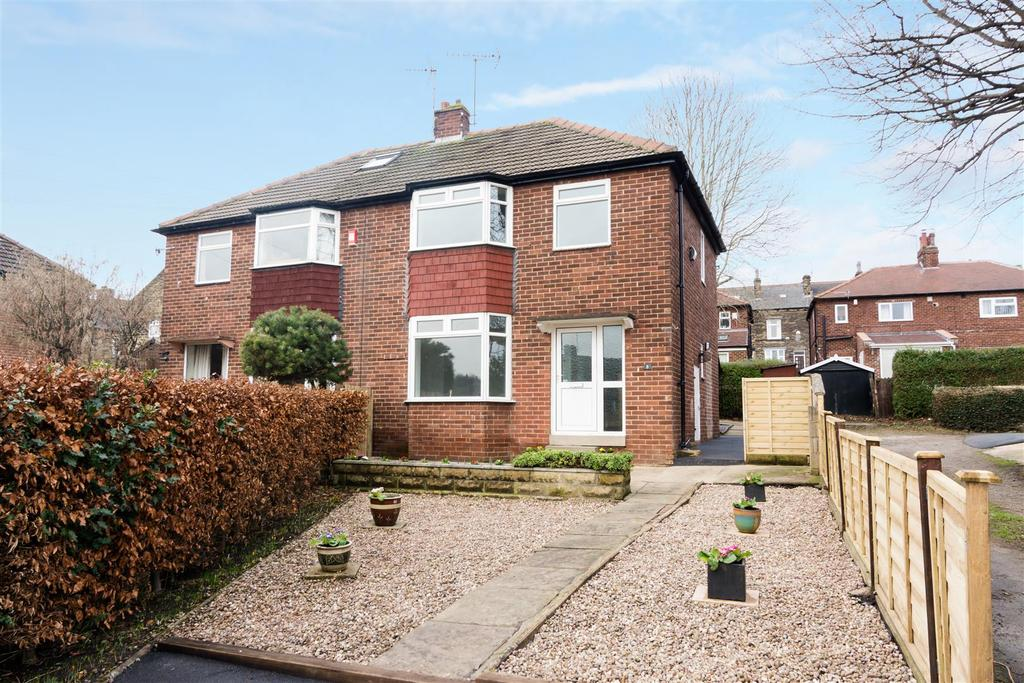 3 Bedrooms Semi Detached House for sale in Oaklands Grove, Rodley