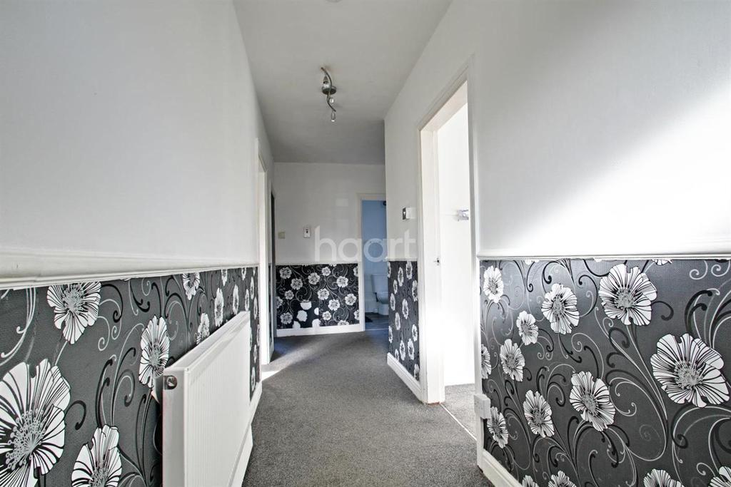 2 Bedrooms Maisonette Flat for sale in Cowley Road, Heaton Grange