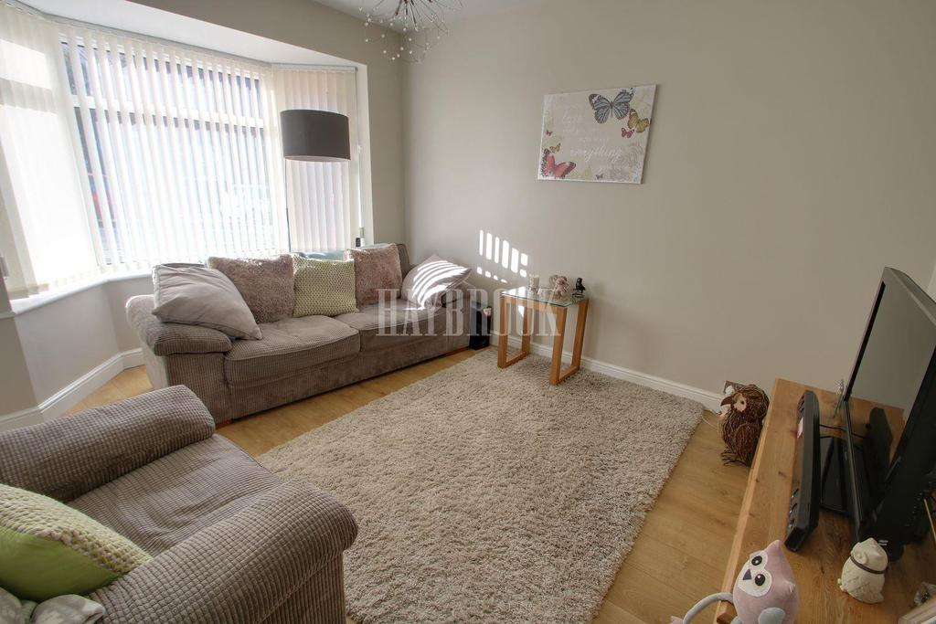 2 Bedrooms Semi Detached House for sale in Lound Road, Handsworth