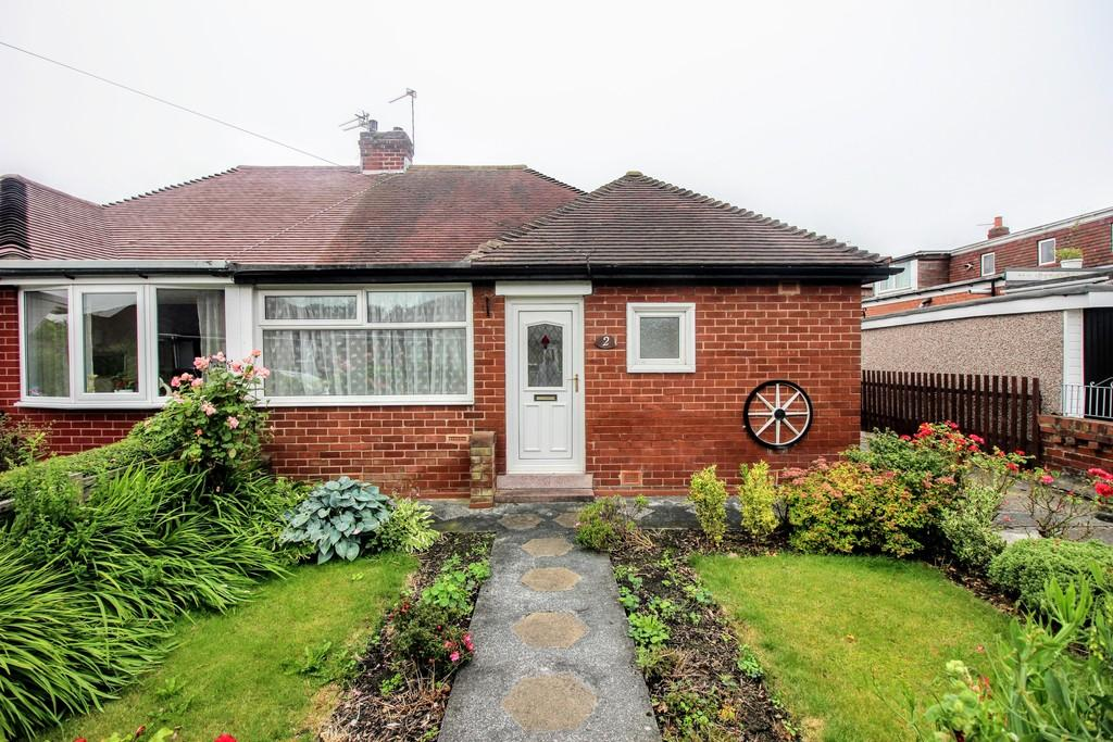 2 Bedrooms Semi Detached Bungalow for sale in Kinross Crescent, Marton