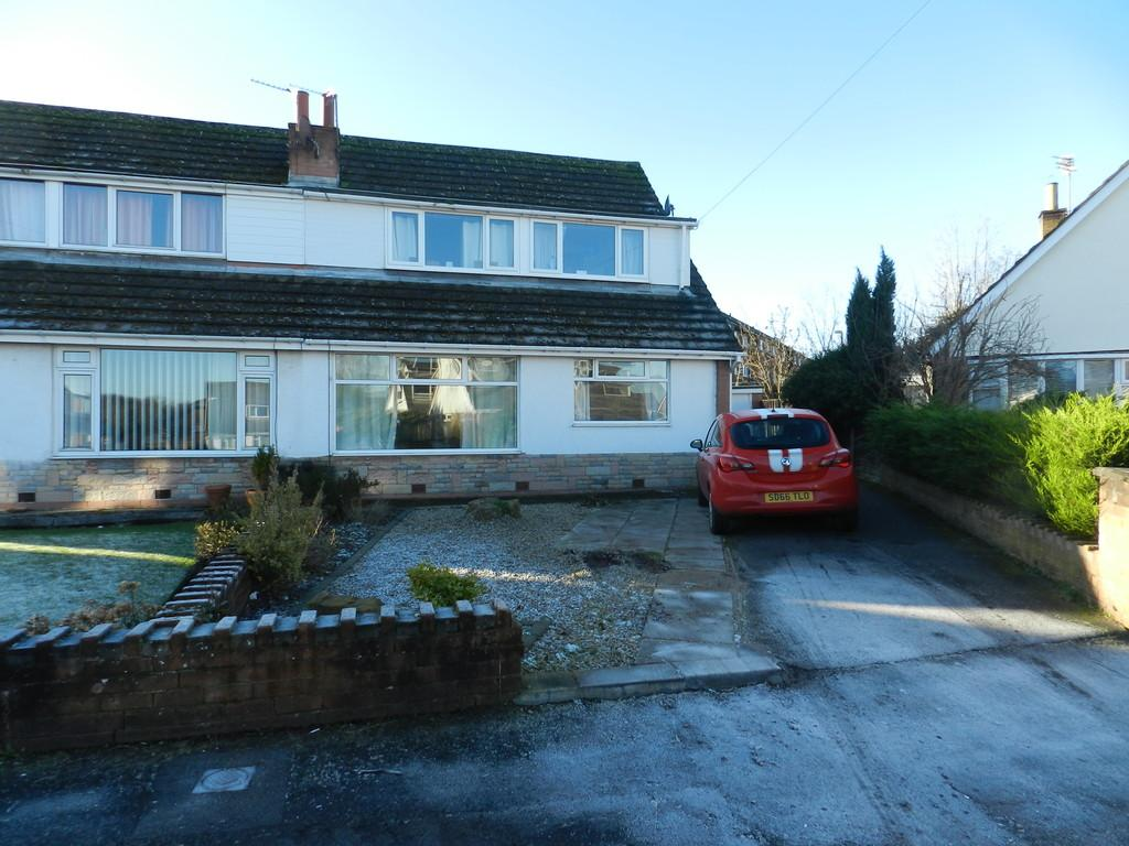 4 Bedrooms Semi Detached Bungalow for sale in Tewkesbury Drive, Lytham St. Annes