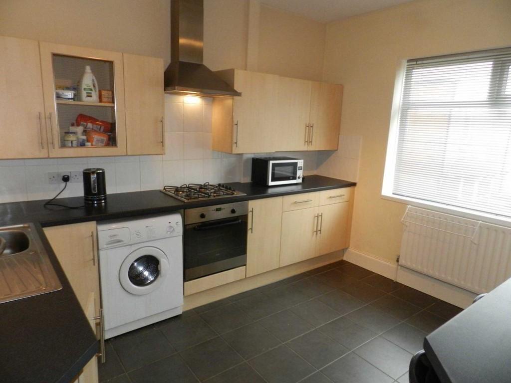 2 Bedrooms Maisonette Flat for sale in Warbreck Drive, Blackpool