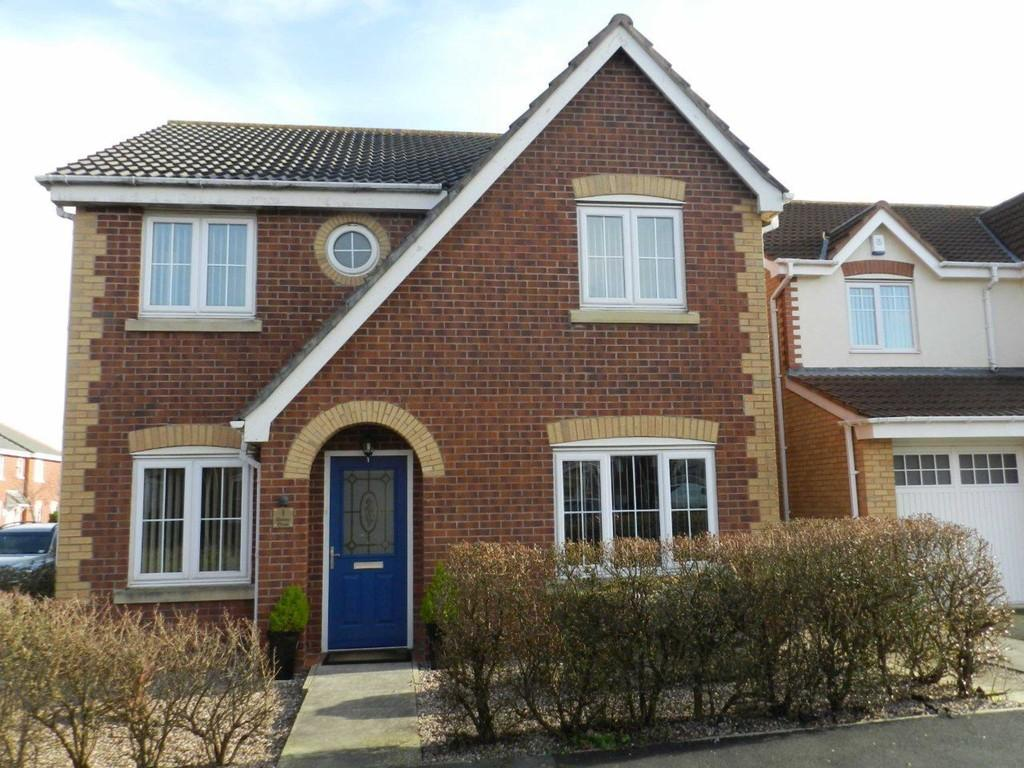 4 Bedrooms Detached House for sale in Shelly Close, Blackpool