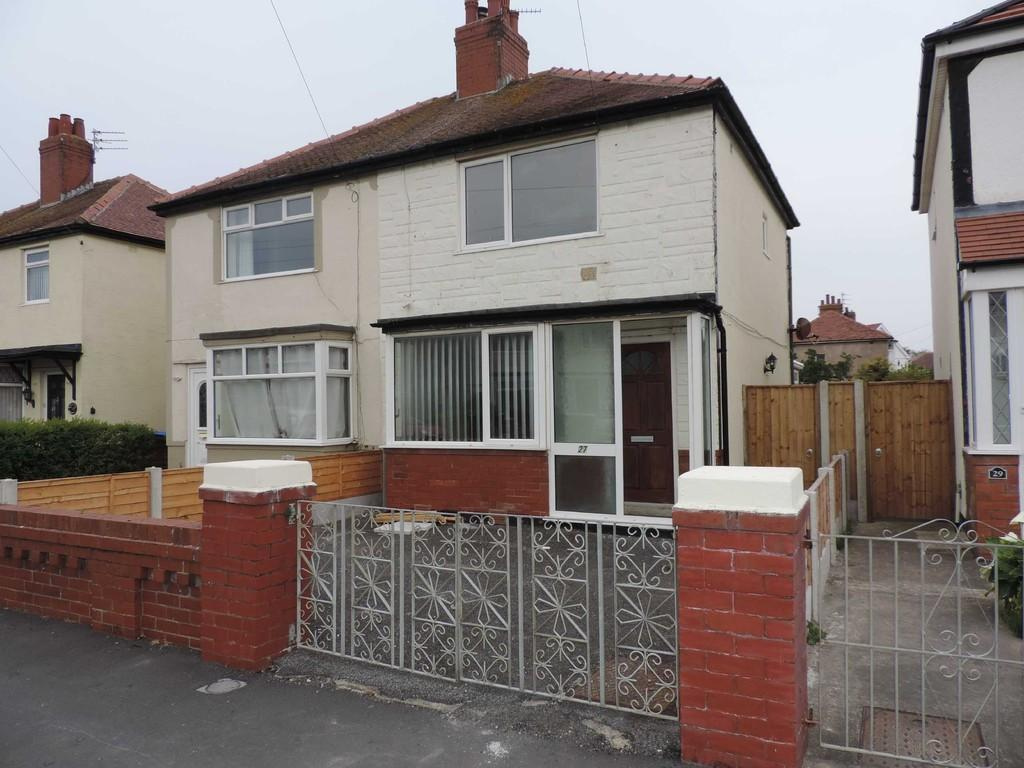 2 Bedrooms Semi Detached House for rent in Rookwood Avenue, Thornton Cleveleys