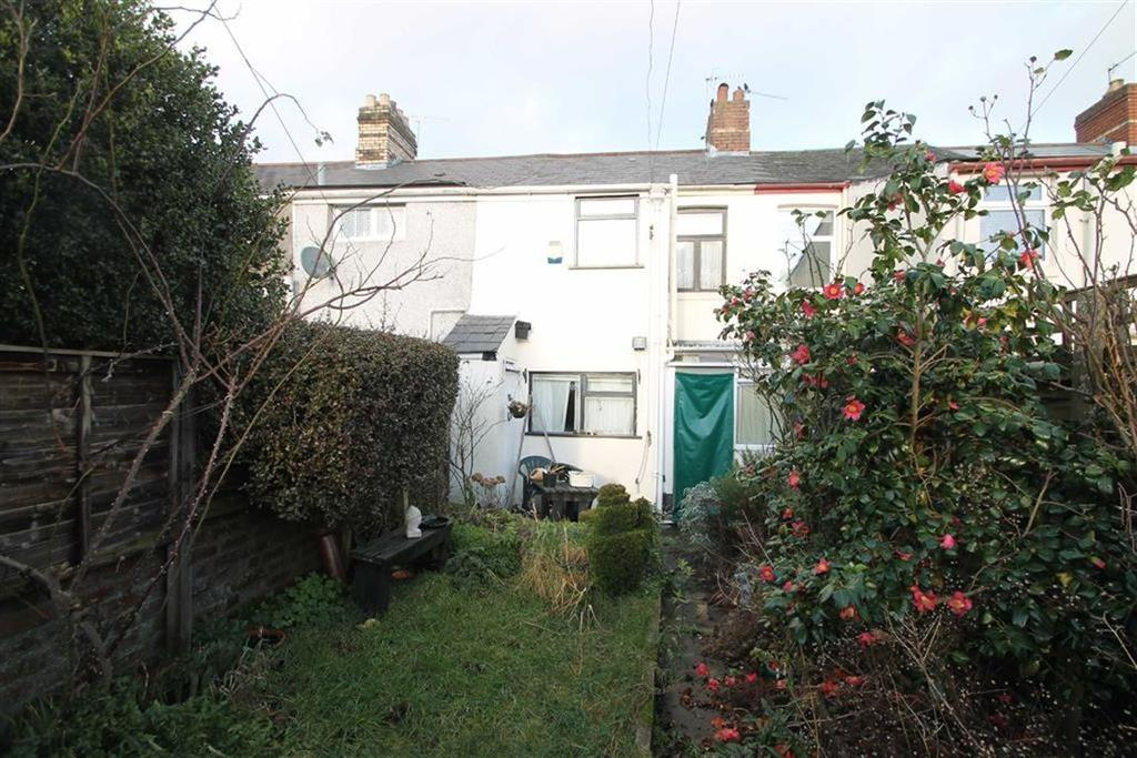 2 Bedrooms Terraced House for sale in Andrews Road, Llandaff North, Cardiff