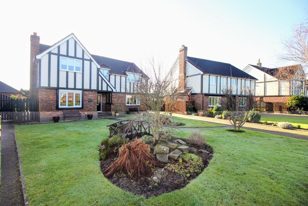 4 Bedrooms Detached House for sale in The Hermitage, Thornton-Cleveleys