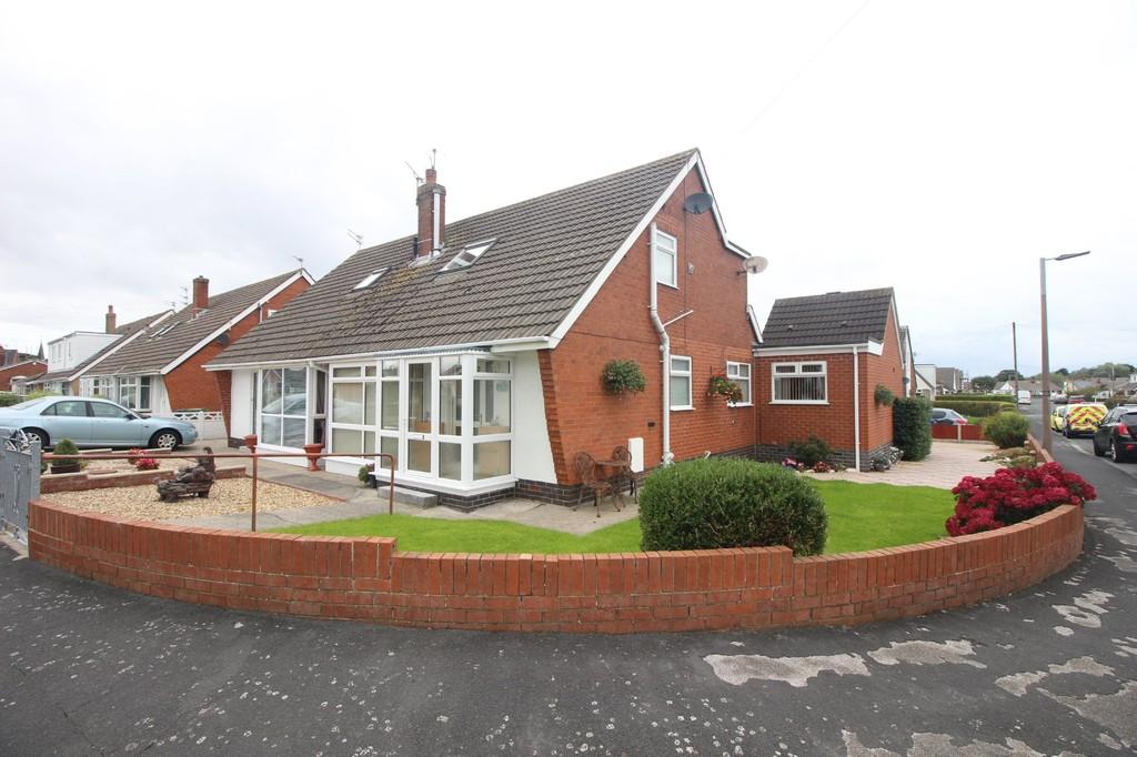 4 Bedrooms Semi Detached Bungalow for sale in Rosemount Avenue, Preesall