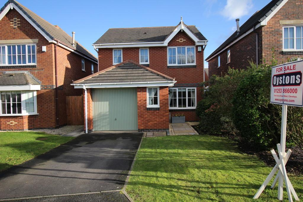 3 Bedrooms Detached House for sale in Arrowsmith Gardens, Thornton-Cleveleys
