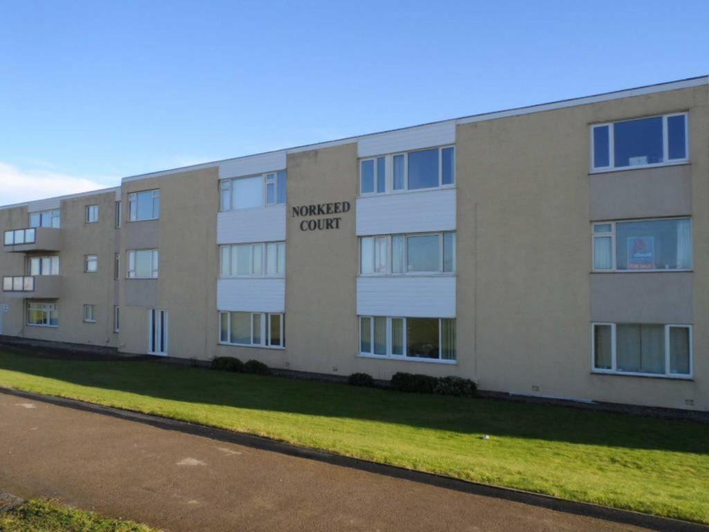 2 Bedrooms Apartment Flat for sale in Norkeed Court, Thornton Cleveleys