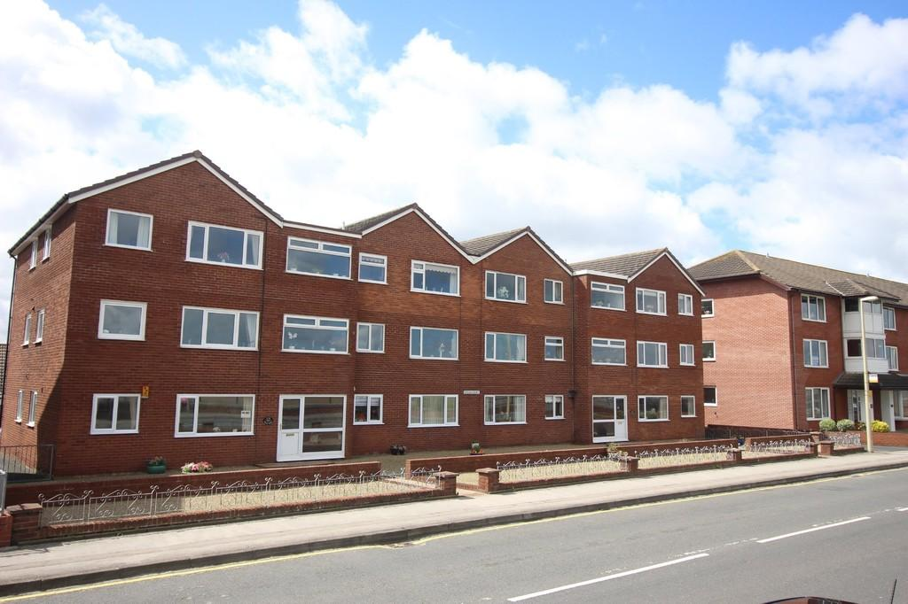 2 Bedrooms Ground Flat for sale in The Esplanade, Knott End-on-sea