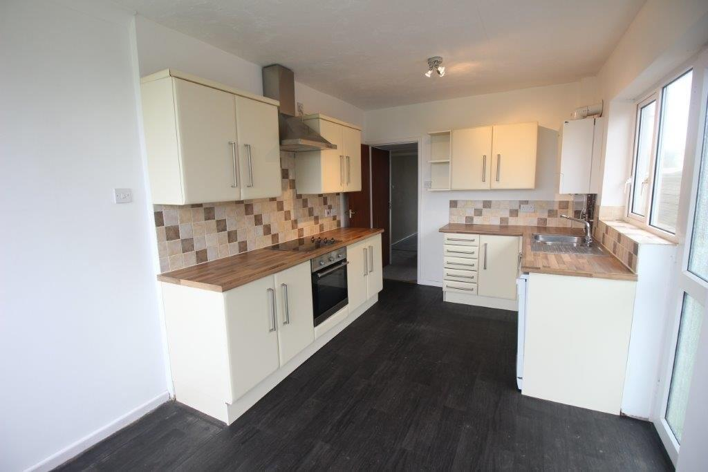 4 Bedrooms Detached Bungalow for sale in Falmouth Avenue, Fleetwood