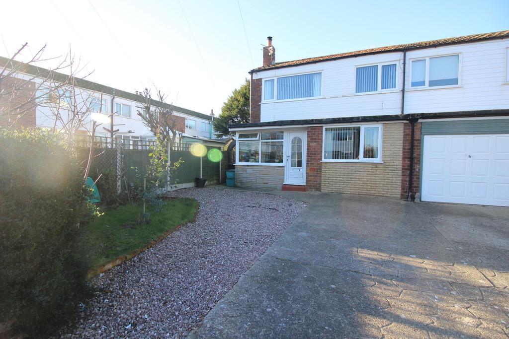 4 Bedrooms End Of Terrace House for sale in Lothian Avenue, Fleetwood