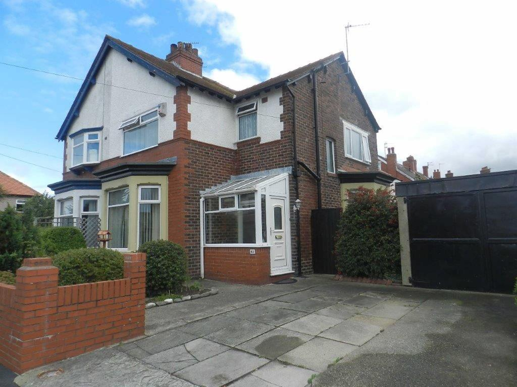 3 Bedrooms Semi Detached House for sale in Agnew Road, Fleetwood
