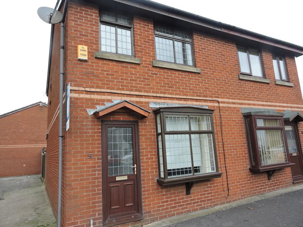 2 Bedrooms Semi Detached House for sale in Blakiston Street, Fleetwood