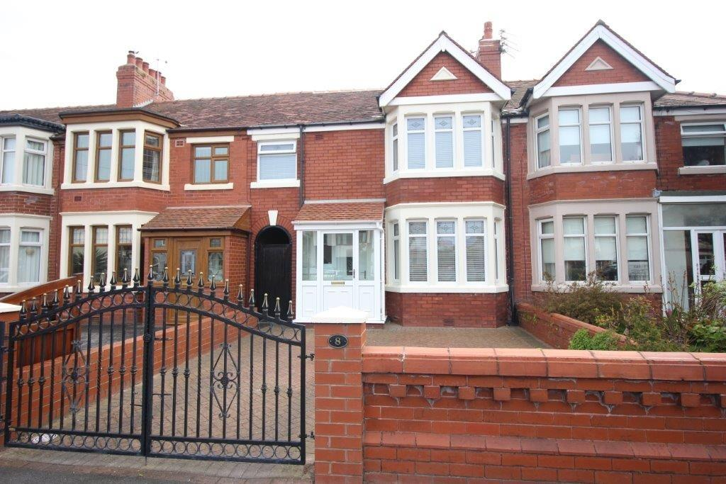 3 Bedrooms End Of Terrace House for sale in Beach Road, Fleetwood
