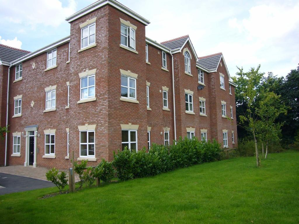2 Bedrooms Apartment Flat for sale in Forsythia Drive, Chorley