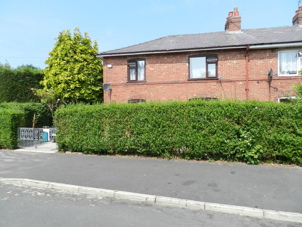3 Bedrooms Semi Detached House for sale in Rose Lane, Preston