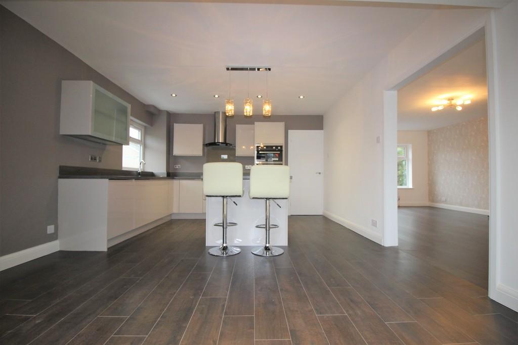 4 Bedrooms Detached House for sale in Arkholme Drive, Longton, Preston
